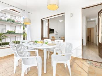Apartment Blanch Llafranc - Apartment in Costa Brava