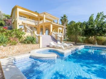 Villa Cora Lloret de Mar - Apartment in Costa Brava