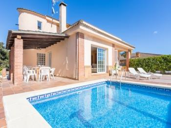 Villa Del Pi - Apartment in Costa Brava